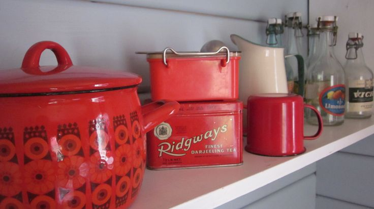 Tins and pots