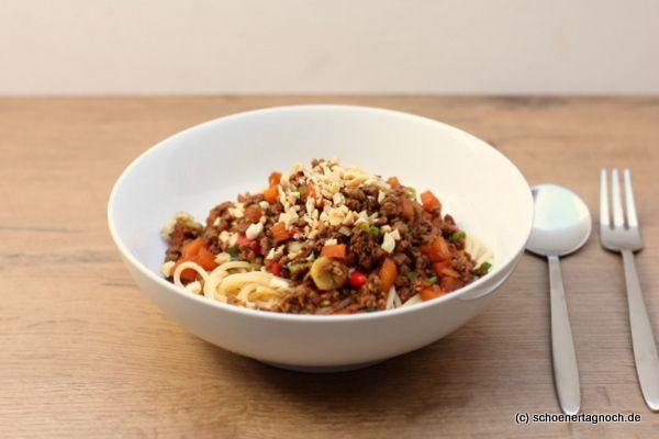Spaghetti mit Thai-Bolognese