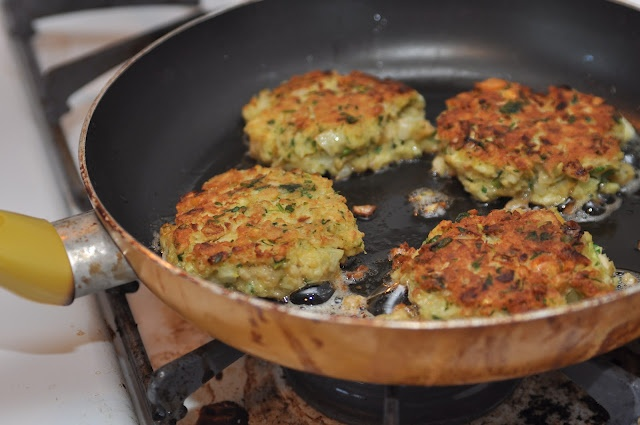 Garbanzo Burgers! | Healthy(er!) Recipes That Look Nummy | Pinterest
