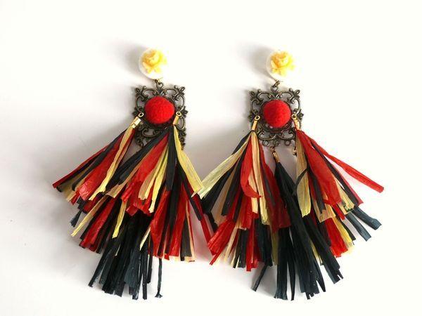 boucles en raphia inspirées de la collection Dolce et Gabbana