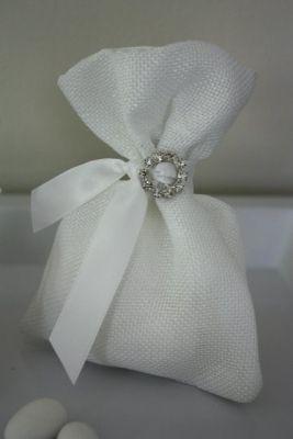 Greek Wedding Shop - White Linen Pouch - Wedding Favour. Wedding Bomboniere for your Greek Orthodox wedding ceremony (http://www.greekweddingshop.com/white-linen-pouch-wedding-favour/)