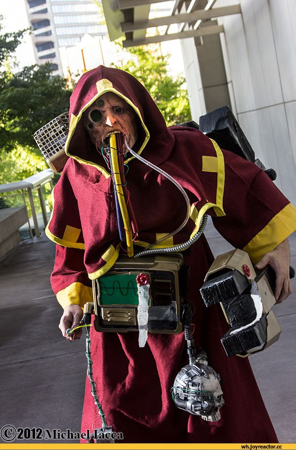 Awesome Tech Priest Cosplay Warhammer 40 000 Costumes