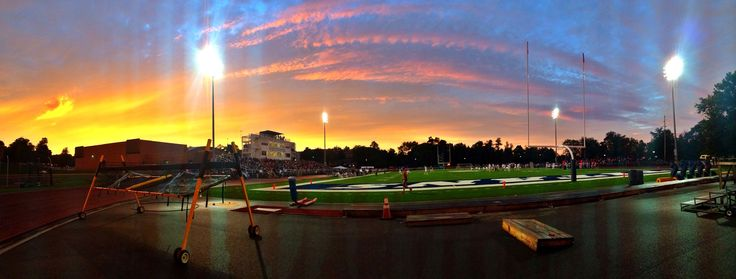 Gr8 sunset pix by WCN's @tjackkk4 during football on Sat @WCtitansFB @westminsterpa #sunset @WCBC309Sports14