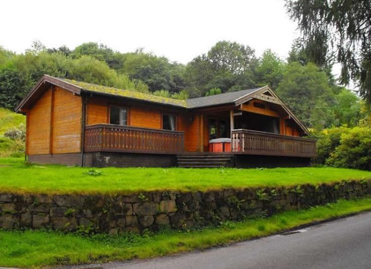 My cabin in Scotland, had so many Romantic weekends here ❤ #netflixnchill