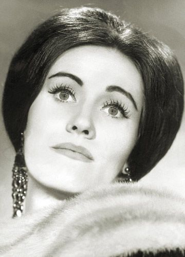 Dame Joan Sutherland, 'La Stupenda'. she was one of the first opera singers i ever listened to.