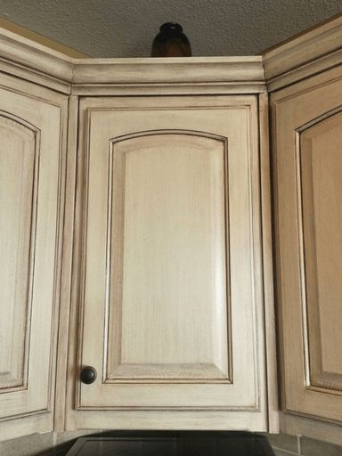 learn to paint a cream cabinet with glaze - Cream Kitchen Cabinet Doors