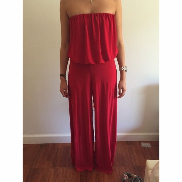 Amazing red jumper! Like new jumper! The material is so soft and clingy, accents the body nicely. I'm usually a size small and this is a medium so it will fit either size. The red is really beautiful. Like new! Blush Other
