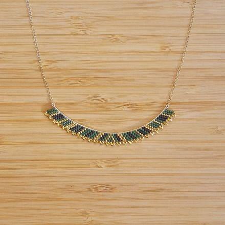 Collier en Plaqué Or Gold Filled 14 carats et perles de verre Miyuki cousues main sans métier à tisser.  Perles plaqué Or 24 carats  Couleurs: Vert Foncé, Doré, Plaqué O - 19269835