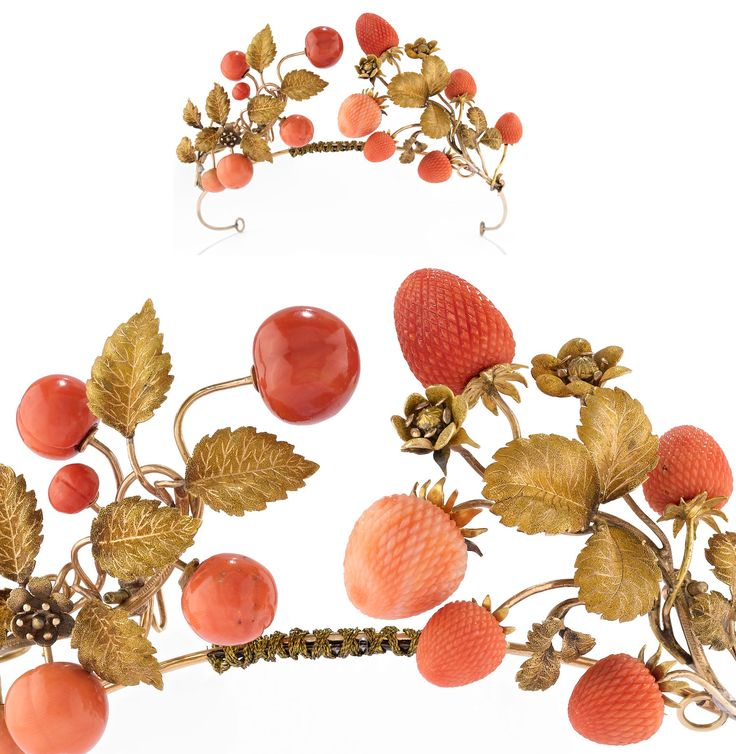 WANNENES GIOIELLI tiara lot 351. a tiara of the late nineteenth century gold made with a leaf-motif and floral decorated with strawberries in coral recorded, and two pins similarly decorated (lot 351 estimated 7,000 to 12,000 EUR).