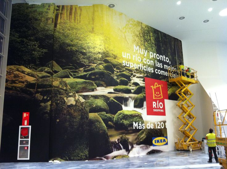 Retail display signage featuring EnviroScape Mural®