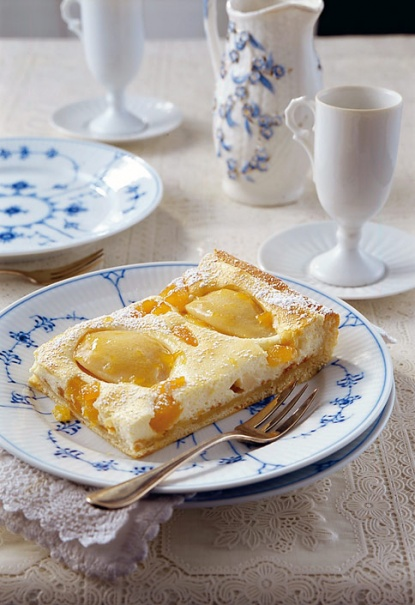 Cheese cake with pears
