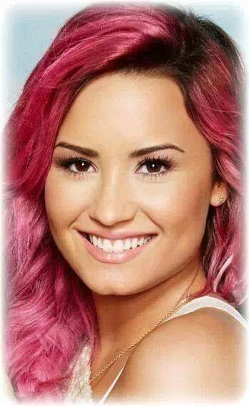 Acuvue - Demi Lovato 2014