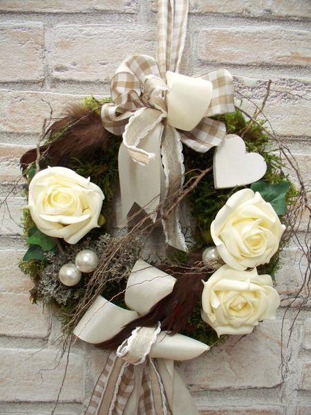 Türkranz in creme-weiß-natur,Rosen und Herzen von ...die mit den Blumen tanzt... auf DaWanda.com