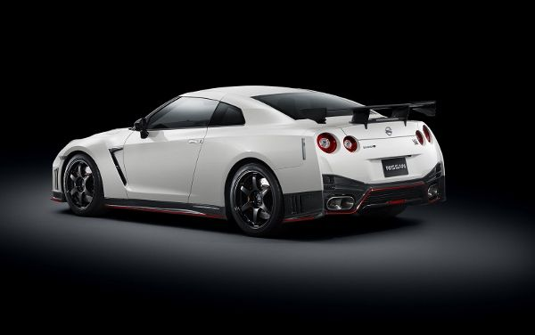 The #2015 #Nissan #GT-R #Nismo Now Has a Price - 6SpeedOnline.com