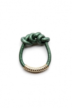 by boe - women's knotted leather ring (green)