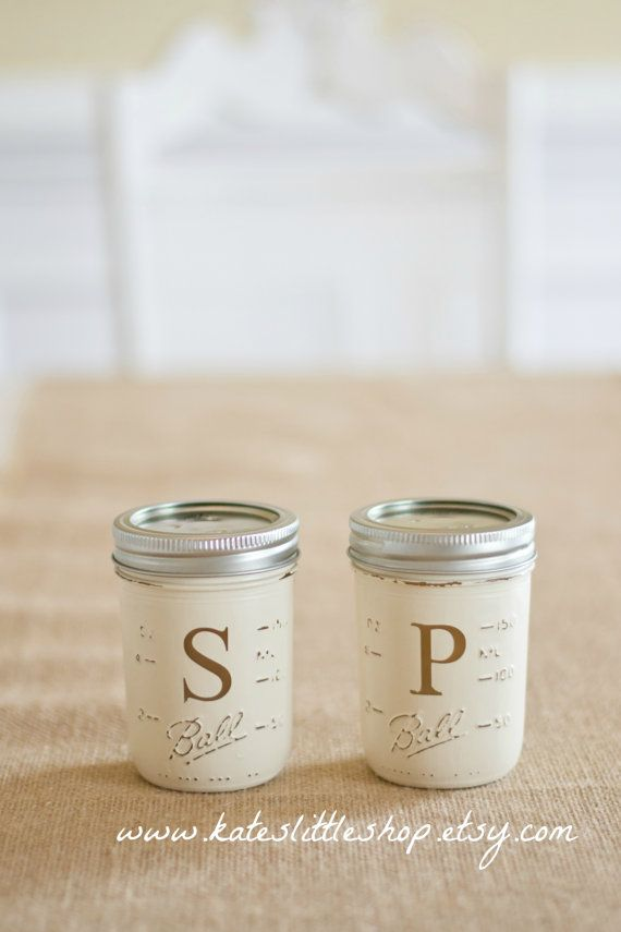 Mason Jar Salt And Pepper Shaker. Painted Mason Jars. Vintage White. Set of Painted Salt And Pepper Shakers. Rustic Decor. Country Home Deco