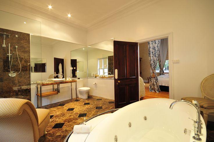 Quamby Estate's luxuriously appointed bathroom #quambyestate #launceston #tasmania #luxurybathroom #deluxeroom