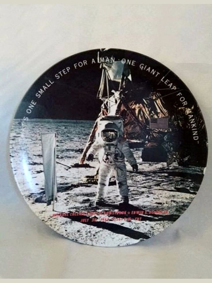 1969 NEIL ARMSTRONG Moon Landing ONE SMALL STEP Commemerative Plate Texas Ware