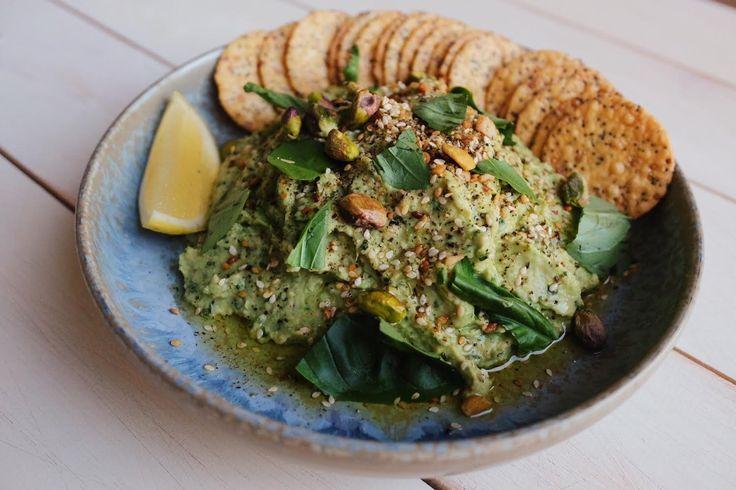 Basil, Spinach & Pea Hummus. Vegan.