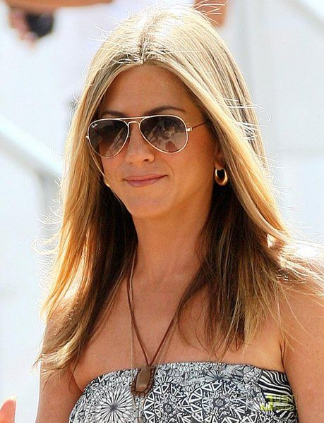 My 2nd favorite from Ray Ban - Aviator, on Jennifer Aniston