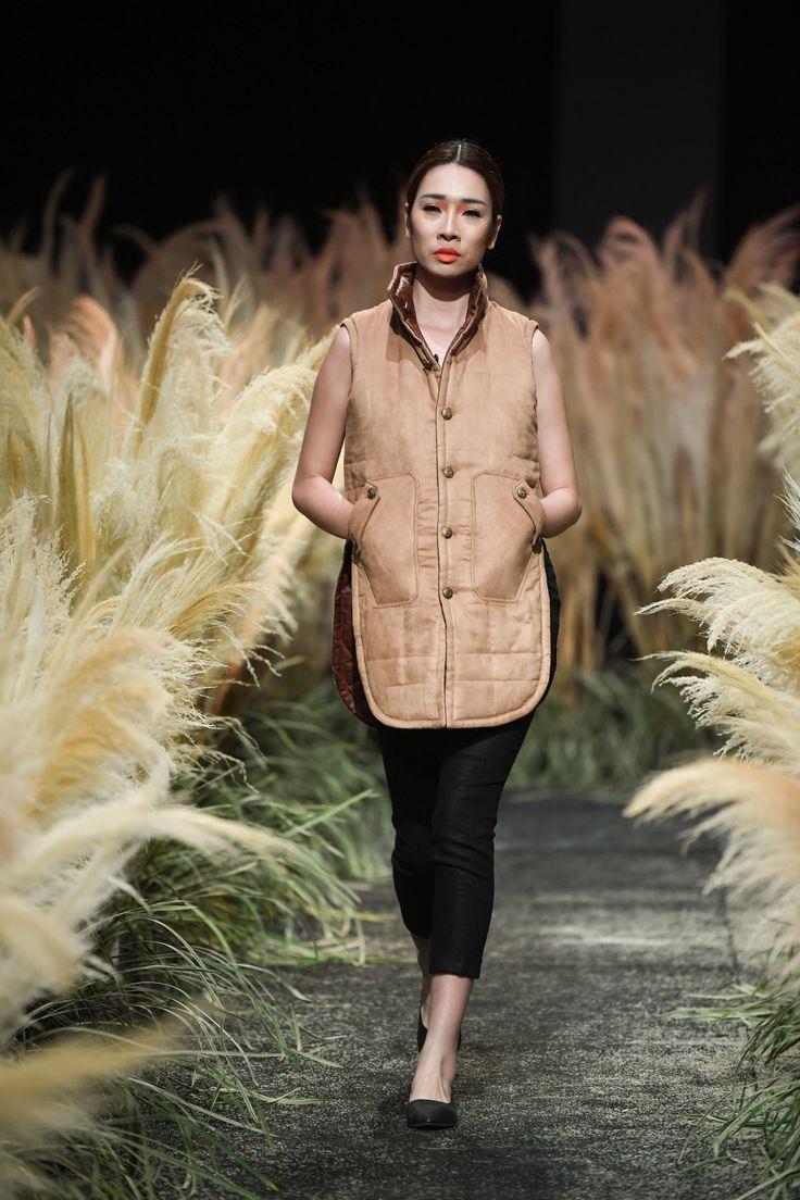 Vietnam Fashion Week FW17 - Ready To Wear.        Designer: Hao Nguyen - Hoai Phuong   Photo: Le Chi Linh