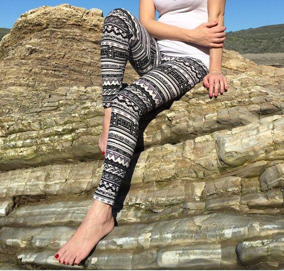 Zwart/grijs Azteekse Tribal geometrische Leggings, Womens Leggings, gedrukte Leggings, Yoga legging, training Leggings, Yoga broek, beste verkoper