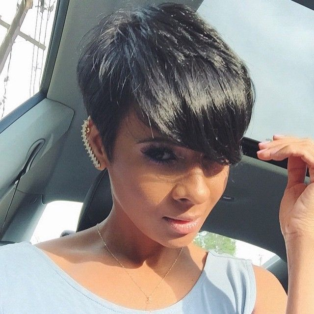 HAIRSPIRATION| Love this #pixiecut✂️ on @Kyrzayda_ styled by @lilyortiz❤️ So chic #VoiceOfHair ========================= Go to VoiceOfHair.com ========================= Find hairstyles and hair tips! =========================
