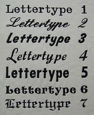 Google Afbeeldingen resultaat voor http://www.borduurstudiocorrie.nl/images/Foto%27s/lettertypes%2520foto/foto%2520lettertypes.jpg