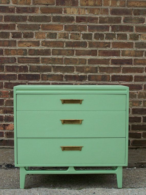 Mint Green Dresser... Bah! I love this!