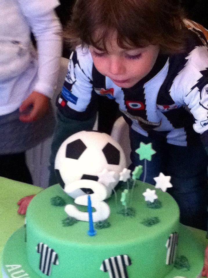 <3 Football themed birthday party