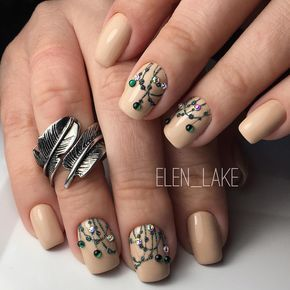 Beige nail art, Coffee nails ideas, Elegant nails, Evening dress nails, Evening nails, Ideas of beige nails, Nails with stones