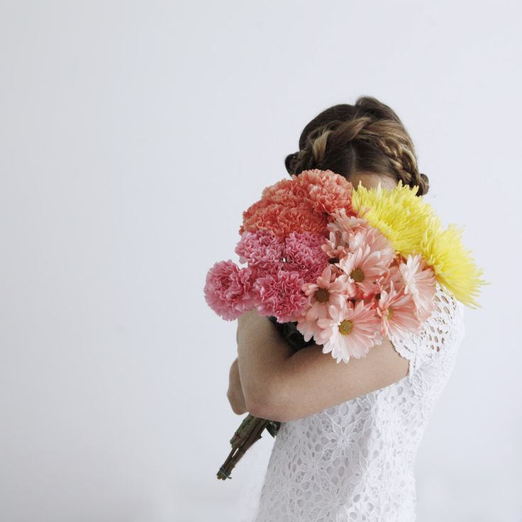 108 best images about Photo: Girls Holding Flowers on ...
