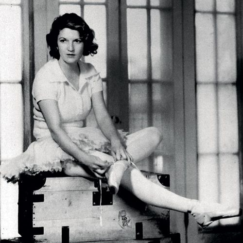 Zelda Sayre Fitzgerald is probably one of the most interesting characters in the 20th century. She was an icon of her age, dubbed 'the first American flapper', and married to one of the most famous and influential writers of the time, F. Scott Fitzgerald, whose work we now call 'quintessential'.