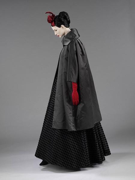 Evening dress | Balenciaga, Cristóbal | V Search the Collections  spring/summer 1952.