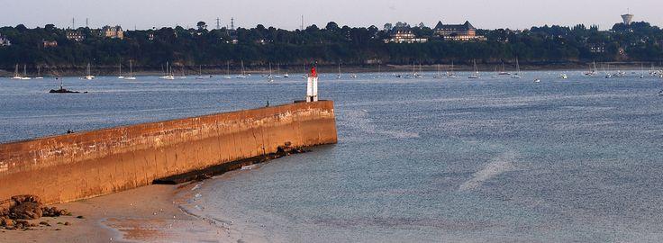 Saint-Malo Promenade vespérale Môle des Noires
