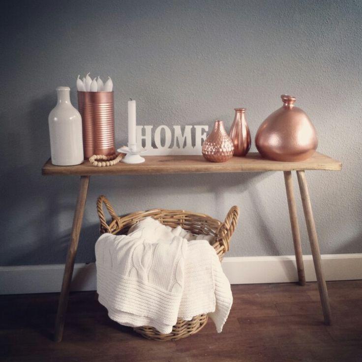 Een spuitbus koper doet wonderen om goedkope woonaccessoires een andere look te geven. #Copper #home #decoration
