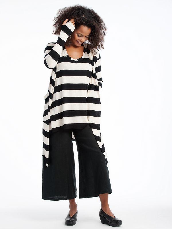 Rosie Sweater with Emmy pants fly shoes www.lousjeandbean.ca  #lousjeandbean #londonfly #shoplocal #canadianmade Tessa Oort ~ Lousje & Bean