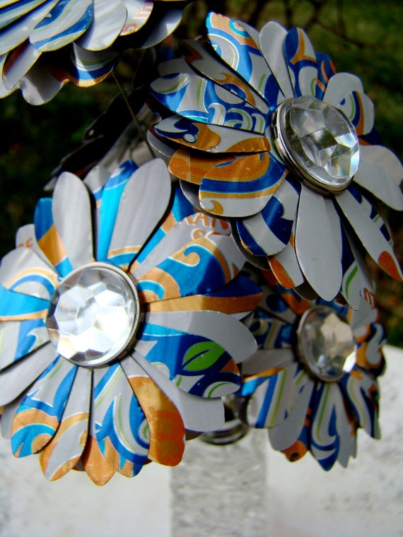 25 best ideas about aluminum can flowers on pinterest for Recycled flower art