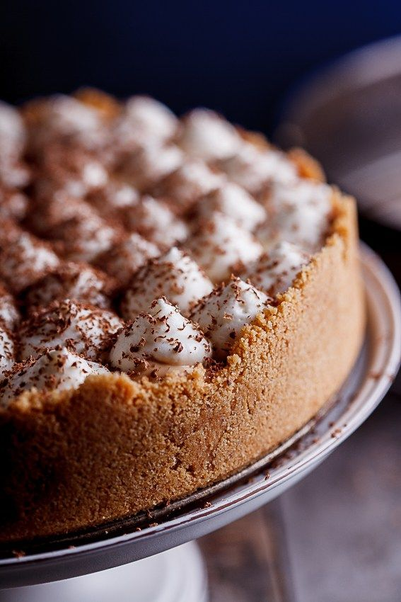Banoffee pie with white chocolate mousse