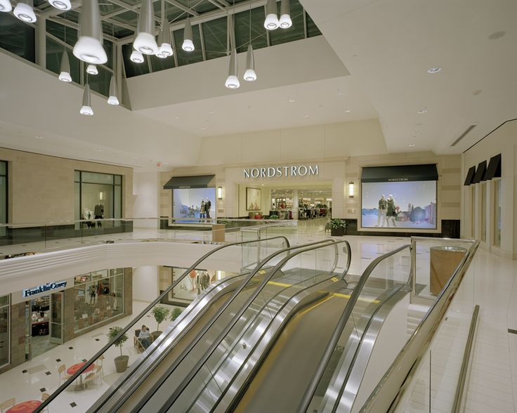 Twelve Oaks Mall - Neumann/Smith Architecture