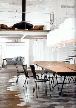 Souvent associé aux grands salons conviviaux, le foyer peut tout aussi bien se retrouver à l'étage. ... - Photo Pinterest
