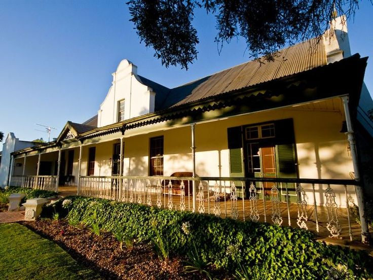 Esperance Farmstay - Manor House - Explore the beauty and versatility of the Breede River Valley from our fully equipped self-catering facility, conveniently situated 10 km from Worcester on the R60 road to Robertson. Bed and breakfast ... #weekendgetaways #worcester #southafrica