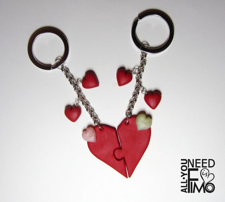 Keychain for couples with heart shaped charm as Valentine's Day gift idea!  Fb: https://www.facebook.com/AllYouNeedIsFimo/photos/a.937250929688782.1073741828.932013750212500/1234865653260640/?type=3&theater  #fimo #polymerclay #artigianato #fattoamano #handmade #portachiavi #keychain #keyring #cuore #heart #puzzle #redheart #sanvalentino #valentinesday #giftidea #love #amore #coppia #couple #girlfriend #boyfriend #giftforher #giftforhim #brokenheart #etsy #etsyfinds #etsysellersofinstagram
