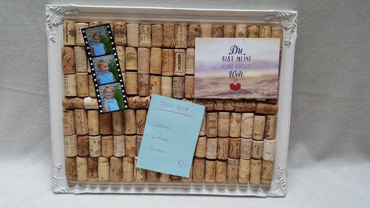 Pinnwand aus Weinkorken mit vintage Rahmen auf DaWanda.de