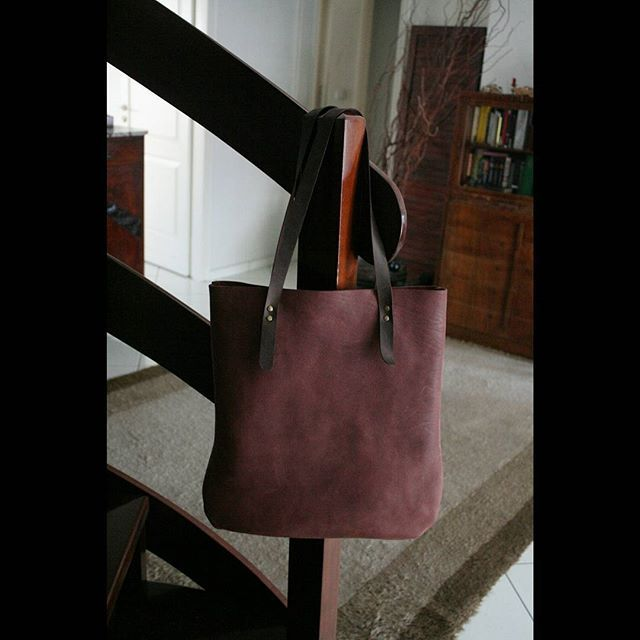 Leather Tote from heavy duty leather. #leatherbags  #leathertote #totebag #womensbags #tote #leathergoods #leatheraccessories #shemakesbags