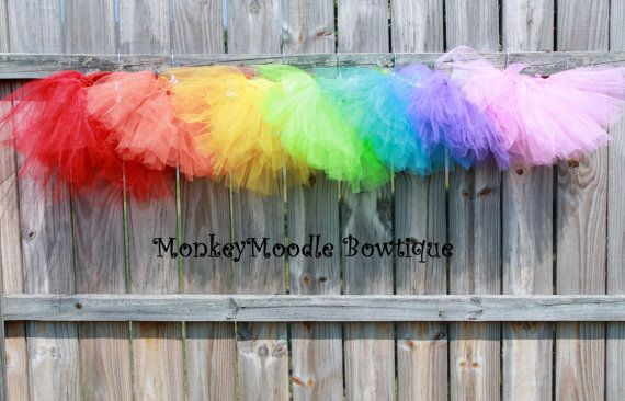 Tutu Party Favors (Includes 8 Tutus, you choose colors) - Love the idea of tutu party favors for a fairy/princess party!