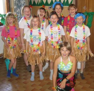 Hula Games- FUN Hawaii theme game for your luau or Hawaii theme party!
