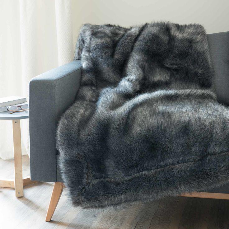 Coperta nera in simil pelliccia 150 x 180 cm SCAFFEL