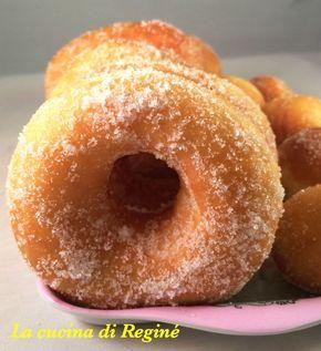 Graffe napoletane dolci ciambelle fritte soffici e buone come quelle del bar, golose e profumate sono adatte in qualsiasi momento della giornate