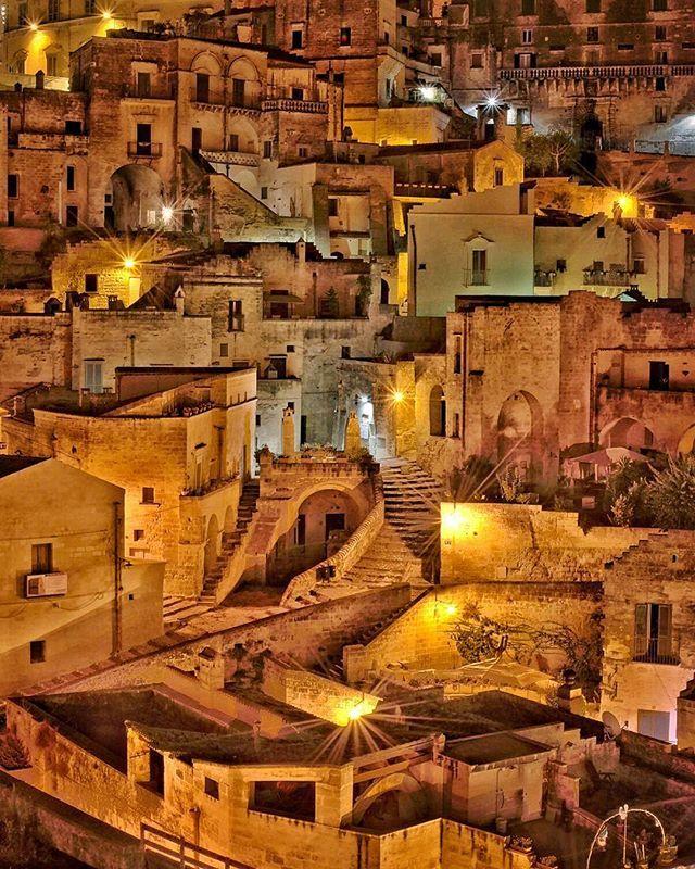 #matera #materaitaly #vivomatera #vivopuglia #sassimatera #sassidimatera #materamazing #italy #italytrip #whatitalyis #italyiloveyou #italia #vivo_italia #italian_places #bellezzeitaliane #volgoitalia #volgoitaly #volgopuglia #thisispuglia #ig_italia #ig_puglia #bariitaly #bari #volgobari #volgomatera #wanderlust #wanderluster #traveladdict #goexplore #exploremore